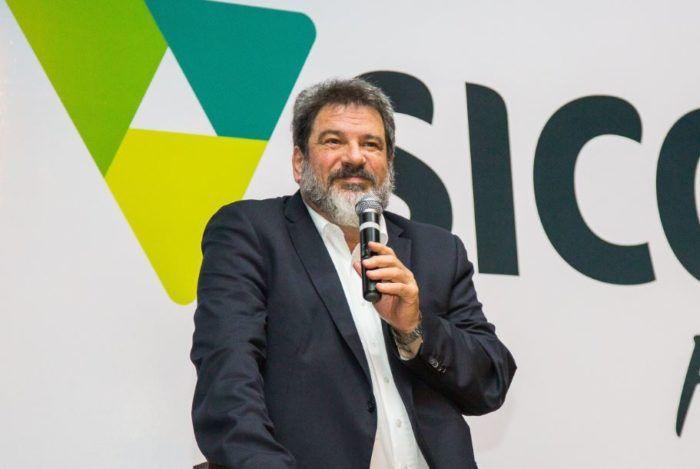 "Mario Sergio Cortella: ""Mudar é complicado, mas se acomodar é perecer"""