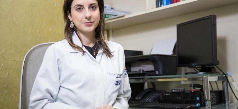 Anne Karina Kiister Leon_rádio-oncologista_Crédito Fotográfico_Julia Terayama_horizontal_