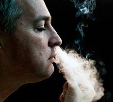 Tabagismo aumenta os riscos de desenvolvimento de câncer - Imagem retirada do FreePik