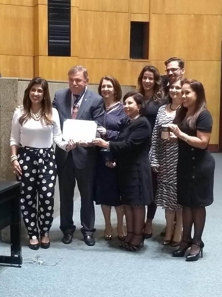 Presidente do Sicoob ES recebe homenagem da Assembleia Legislativa