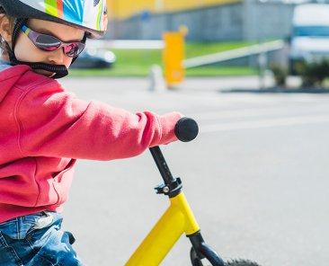 Crianças devem usar equipamentos de proteção em algumas brincadeiras